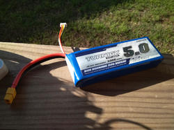 Lipo = tons of amps. No worries about voltage drops. But I Wouldn't want to accidentally short it with my finger.